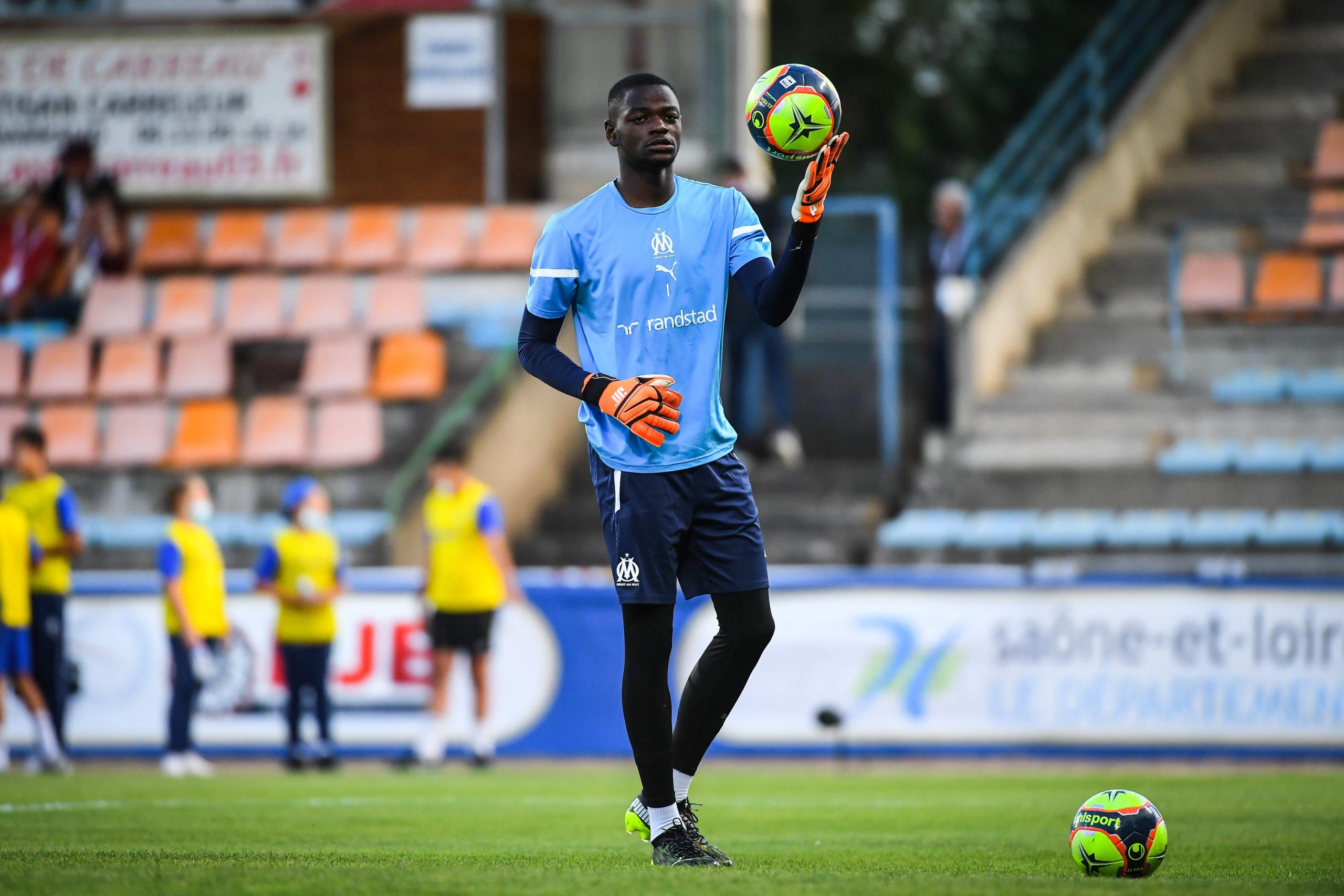 Mercato OM : Marseille prépare l'avenir avec Simon Ngapandouetnbu