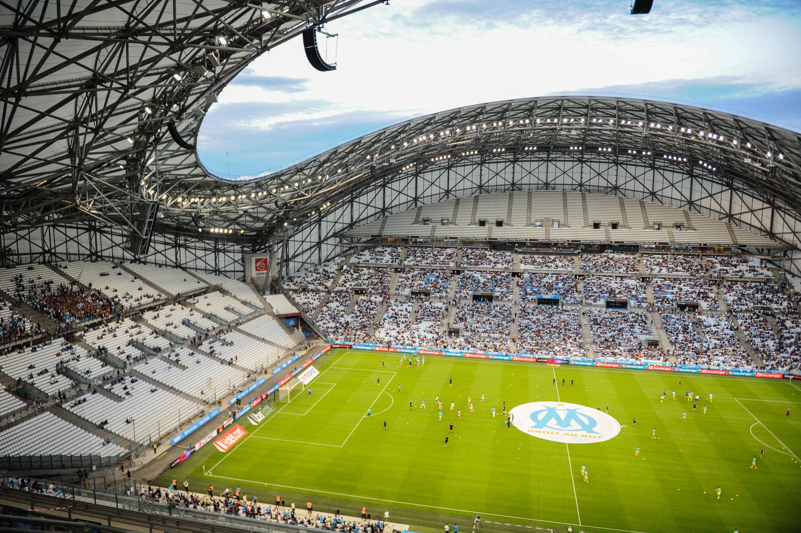 OM - Ce supporter du PSG s'extasie devant le Vélodrome