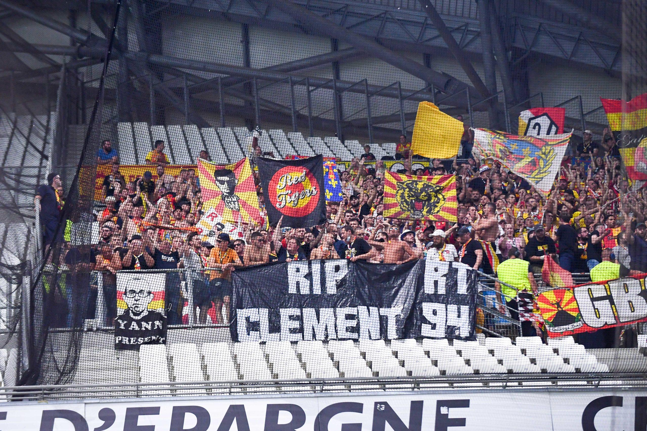 OM/Lens - Les supporters marseillais et lensois offrent un moment inoubliable